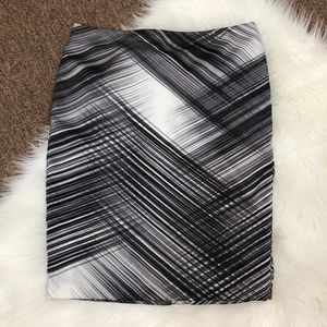 Vince Camuto Gray Black Satin Pencil Skirt, Size 6